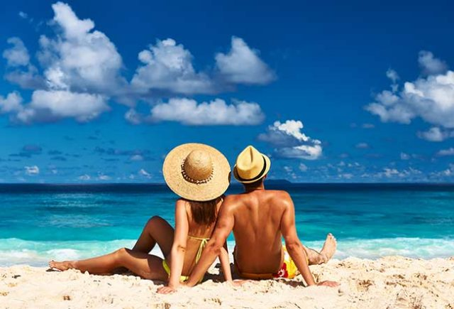 How to Prevent and Treat Sunburn at the Beach